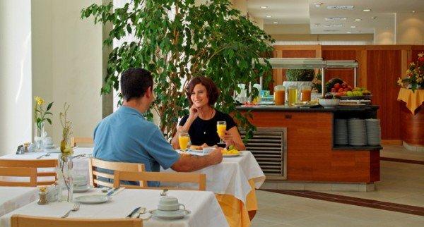 Iberostar City Hotel Campo De Gibraltar 8