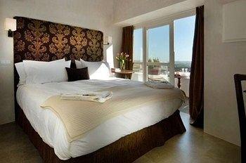 Hotel V 2