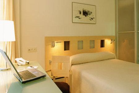 Ayre Hotel Caspe 9