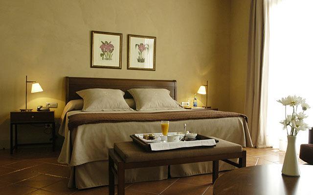 Bremon Hotel Cardona 8
