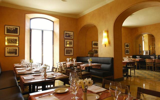 Bremon Hotel Cardona 9