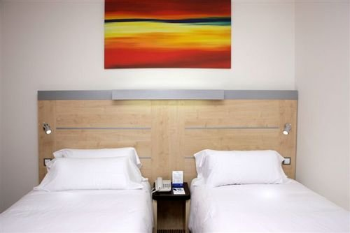 Holiday Inn Express Barcelona-molins De Rei 7