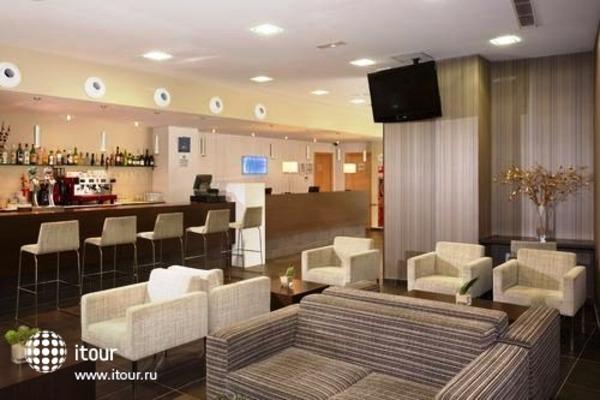 Holiday Inn Express Barcelona-sant Cugat 8