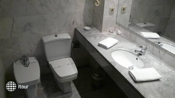 Catalonia Gran Hotel Verdi 3