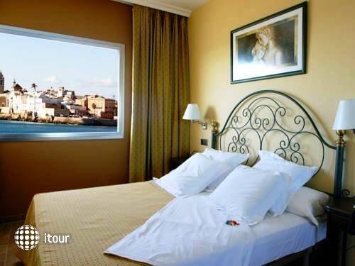 Port Sitges Resort 3