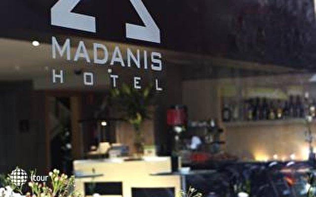 Madanis 4