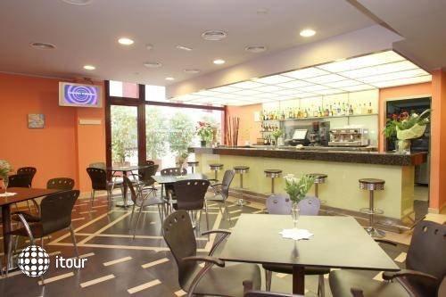 Hotel Ronda Lesseps 5