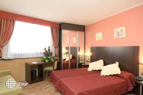 Hotel Ronda Lesseps 7