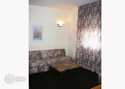 Aparthotel Augusta 7