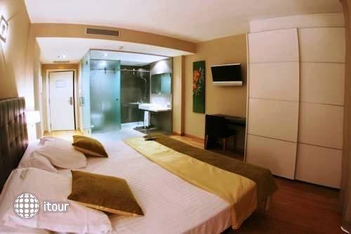 Qgat Hotel Restaurant Sant Cugat 1