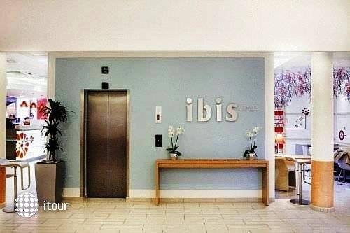 Ibis Barcelona Meridiana 5