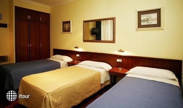 Hostal San Isidro 8