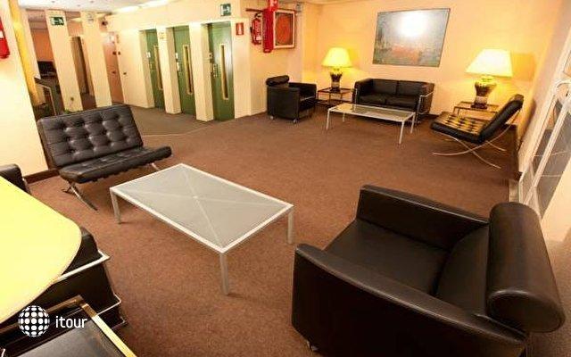 Aparthotel Tribunal 1