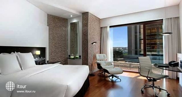 Hilton Madrid Airport 5