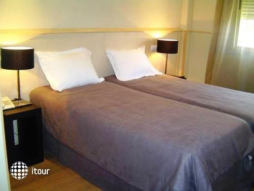 A&h Hotel Suites Feria De Madrid 3