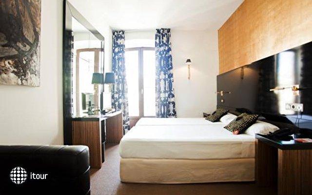 Room Mate Leo 4