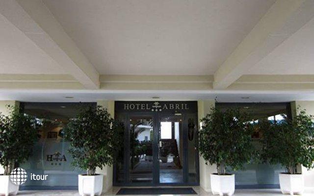 Abril Hotel 5