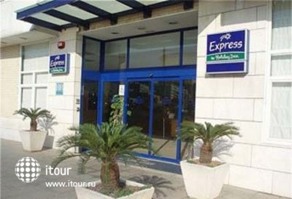 Express By Holiday Inn Valencia San Luis 6