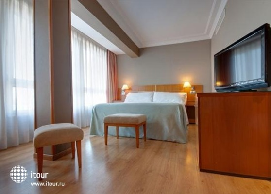 Tryp Orly 7