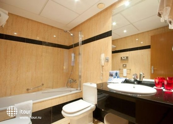 Tryp Orly 8
