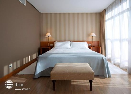 Tryp Orly 9