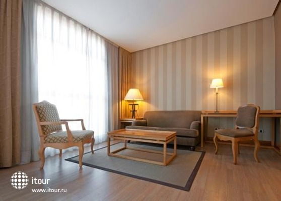 Tryp Orly 10