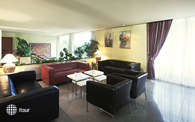 Azuline Hotel Bahamas 1