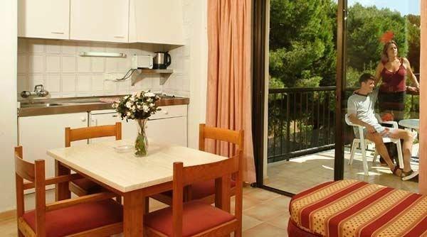 Waikiki Apartments 9