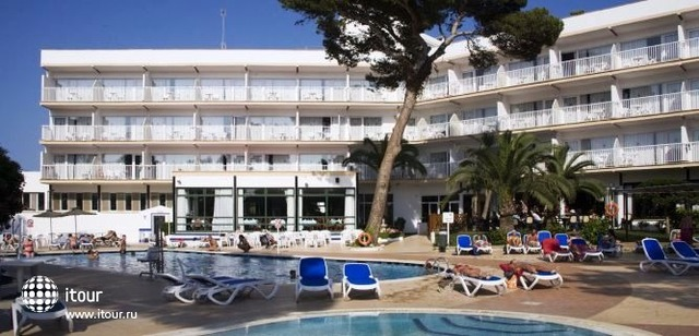 Hi Cala Blanca Hotel 1
