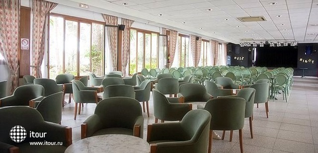 Hi Cala Blanca Hotel 9