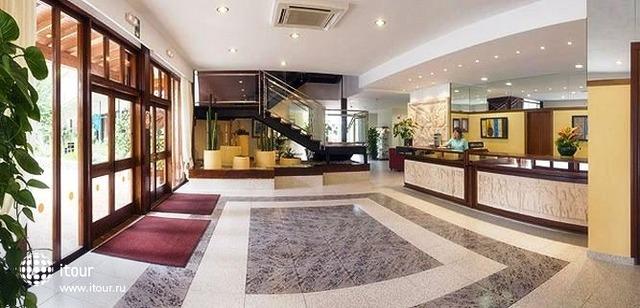 Hi Cala Blanca Hotel 10