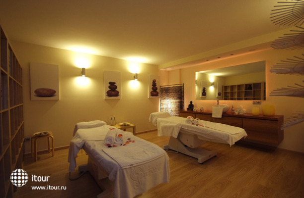 Grupotel Macarella Suites And Spa 10