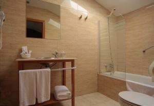 Iriguibel Hotel Huarte 8
