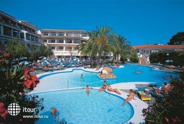 Beach Club Font De Sa Cala 2