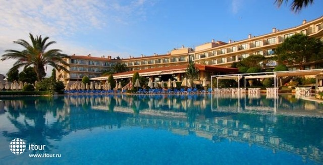 Valentin Son Bou Hotel & Aptos 1