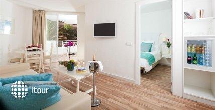 Fergus Style Cala Blanca Suites 3