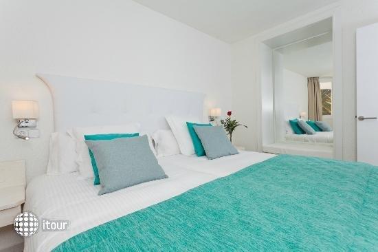 Fergus Style Cala Blanca Suites 9