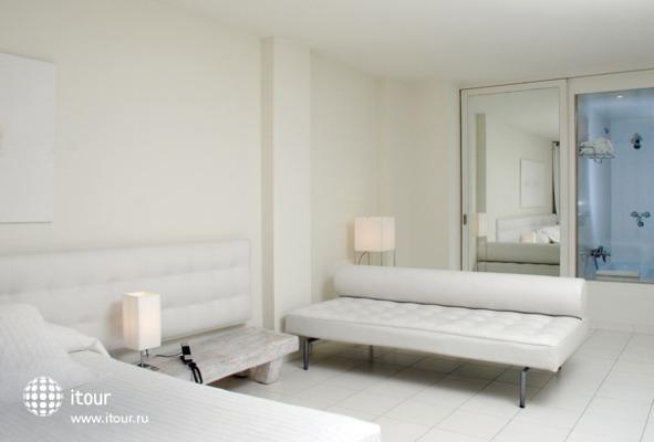 El Hotel Pacha 8