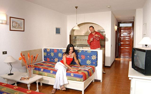 Hacienda Del Sol 7