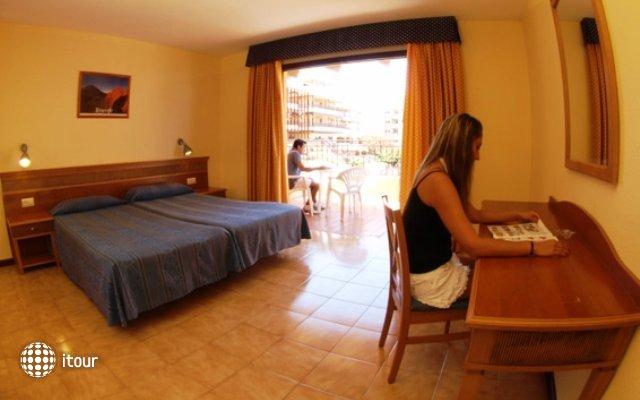 Los Alisios Apartments 8