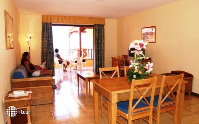 Los Alisios Apartments 10