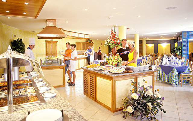 Adonis Resort Castalia - Brezos 3