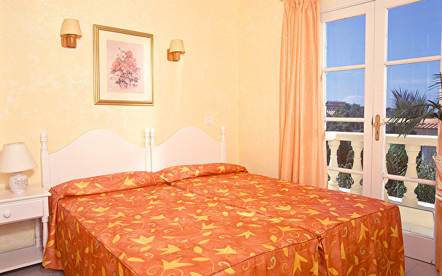 Adonis Resort Castalia - Brezos 1