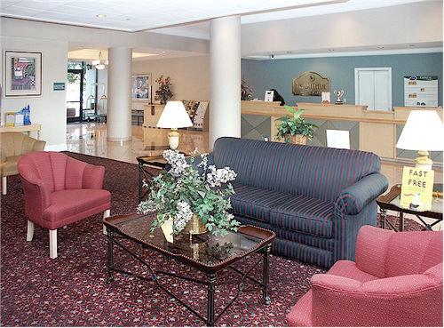 La Quinta Park Suites 10