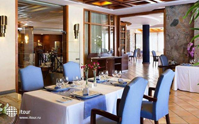 Costa Adeje Gran Hotel 9