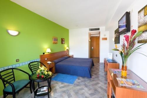 Caserio Hotel 3
