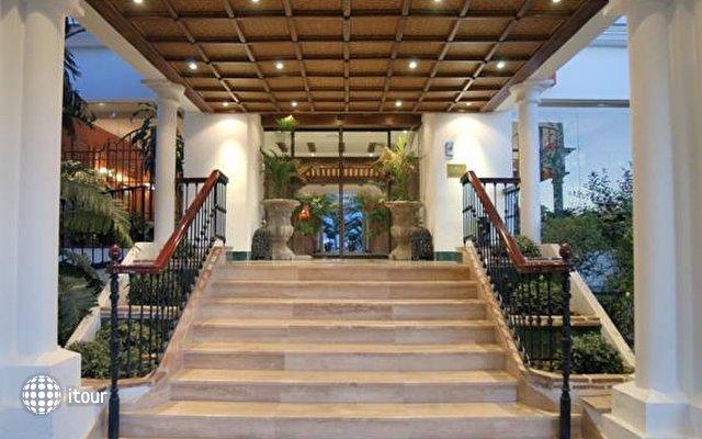 Hacienda Puerta Del Sol 4