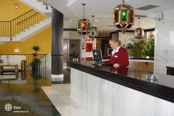 Cabogata Plaza Suites 3