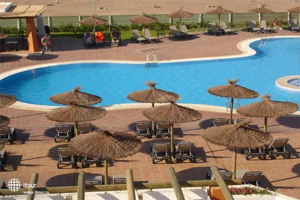 Cabogata Plaza Suites 4