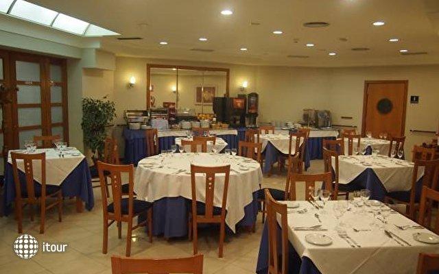 Husa Ciudad De Compostela 8